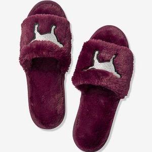 🎉Sold🎉 Pink Open Toe Slipper Luscious Plum M